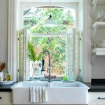 Farmhouse Sink - Design photos, ideas and inspiration. Amazing gallery of interior design and decorating ideas of Farmhouse Sink in bathrooms, laundry/mudrooms, kitchens by elite interior designers - Page 1 Country Kitchen, New Kitchen, Kitchen Interior, Country Sink, Kitchen Ideas, Awesome Kitchen, Kitchen Redo, Kitchen Inspiration, Kitchen Designs