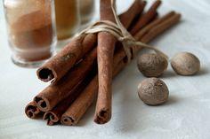 Especias favoritas de la época: canela, nuez moscada y clavos.