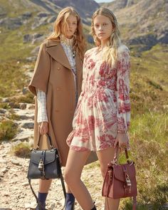 Chloe Heads to The Highlands for Fall 2019 Campaign - Clockwork. Chloe Fashion, Fashion Week, Daily Fashion, Womens Fashion, Fashion Tips, Chloe Clothing, Chloe Dress, Campaign Fashion, Mode Editorials