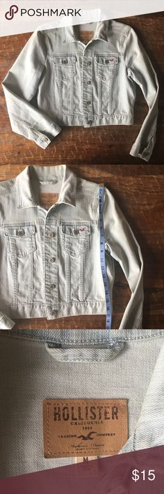 HOLLISTER acid wash jean jacket Excellent condition. Never worn. Hollister Jackets & Coats Jean Jackets