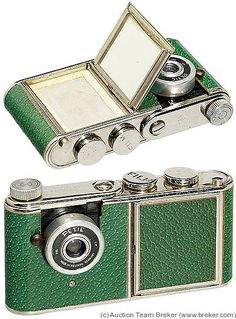 Kunik Walter: Petie Vanity Green camera