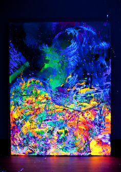 Sorprendentes trabajos de Eugenia Koburneeva con la pintura fluorescente.