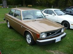 1974 volvo 142 - Google zoeken Volvo Cars, Car Photos, Buses, Hot Rods, Motors, Cool Cars, Awards, Wheels, Vans