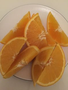 Dhoop mein maalty khany se kitna Vitamin C haasil hota hy ye se behtar koi nahi janta hoga. Orange Aesthetic, Aesthetic Food, Food N, Food And Drink, Snap Food, Food Snapchat, Food Gallery, Fruit And Veg, Mellow Yellow