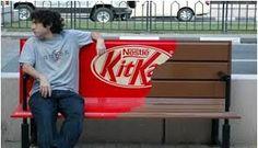 Magnífico ejemplo de creatividad de Kikkat (Nestlé) #MarketingdeGuerrilla