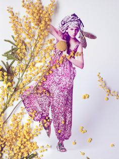 Flower fashion by Sarah Illenberger, photographer Sabrina Theissen