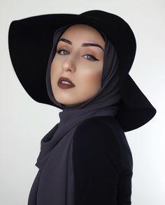 Jasminefares | Charcoal Grey chiffon hijab from @lamodesty Muslim Women Fashion, Modest Fashion, Hijab Fashion, Women's Fashion, Bridal Hijab, Hijab Wedding Dresses, Hijab Bride, Pashmina Hijab Tutorial, Simple Hijab