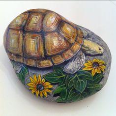 Herkese iyi haftalar #kaplumbağa #turtle #stoneart #taşboyama #painting…