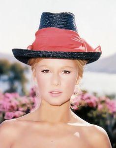 Famous Women, Beautiful Actresses, Horror Movies, Greek, Portraits, Actors, Play, Tv, My Love