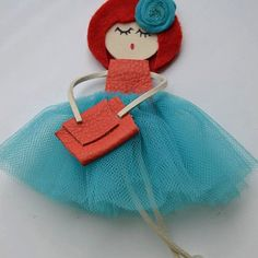 Doll brooch by AlexandraStanShop on Etsy – my siteDoll brooch made with leather, yarn, swarovsky crystals, and beads. You can wear it aș a brooch on your shirt or on your piese or if You want it can become a necklace, just let me know. Tiny Dolls, Ooak Dolls, Fabric Bags, Felt Fabric, Felt Dolls, Paper Dolls, Fabric Flower Necklace, Glue Gun Crafts, Animal Bag