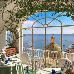 La Sponda Restaurant, Le Sirenuse Hotel, Positano, Italy