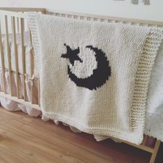 Blanket pattern, knitting patterns, moon blanket, moon blanket knit, blanket with image, knit blankets, white blanket, star blanket