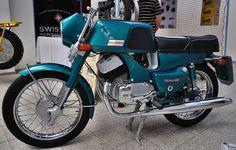Moto Jawa, Moto Bike, Vintage Motorcycles, Cars And Motorcycles, Jawa 350, Enfield Motorcycle, Motor Scooters, Old Bikes, Classic Bikes