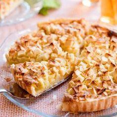 Lekker in winter en zomer, warm of koud, met of zonder ijs of room. Dutch Recipes, Sweet Recipes, Baking Recipes, Cake Recipes, Sweet Desserts, No Bake Desserts, Sweet Bakery, Sweet Pie, Lunch Snacks