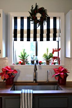 No-Sew Faux Roman Shade and My Christmas Kitchen Window • Ugly Duckling House