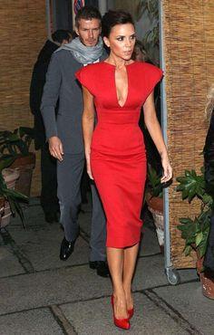 VESTIDO HOMBROS DE PICO BECKAM Color: Rojo, Azul, Negro Talla: 36-S, 38-M, 40-L Precio: 29.99€ www.cocoylola.es #cocoylola #moda #vestidos #tiendaonline #shop #españa