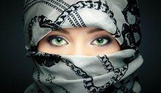 Green-eyes-Girl-Muslim-New-Year-HD-Wallpapers.jpg (600×347)