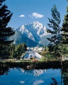 Google Image Result for http://www.banff.ca/Assets/Images/Visiting%2BImages/Banff%2BAvenue%2Bin%2BSummer.jpg
