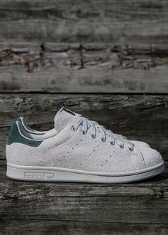 Juice x adidas consortium stan smith shoes in 2019 стиль. Stan Smith Shoes, Adidas Stan Smith, Sport Fashion, Mens Fashion, Sports Bra Outfit, Baskets, Girls Sneakers, John Varvatos, Shoes Outlet