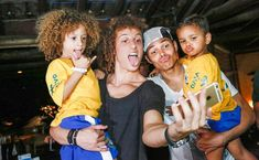 #ThiagoSilva #DavidLuiz #Seleçao #Brasil #Murilo #Lyan ❤️101 Great Goals - Brazil's David Luiz & Thiago Silva take amazing photos with kid lookalikes [Pics & Video] - Football (soccer) highlights, goals, videos & clips | 101 Great Goals
