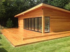 Contemporary Garden Room Gym Slopeing Roof