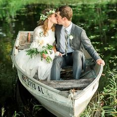 You might think this is just another styled shoot, but no, this wedding image taken in a canoe was real taken by #jennakutcher.  After heartfelt, personal vows, a few cocktails, and some incredible food stations, (including some New Orleans shrimp) these two snuck out to the lake for a session. Check out more of their stunning wedding here! Bohemian Wedding Flowers, Bohemian Wedding Reception, Rustic Boho Wedding, Bohemian Wedding Decorations, Bohemian Wedding Inspiration, Boho Bride, Wedding Images, Wedding Styles, Bridal Traditions