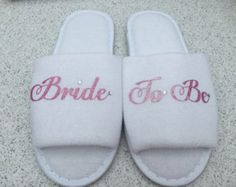 ♥PERSONALISED SLIPPERS ♥    Personalised Wedding slippers, bridal party slippers, wedding slippers, wedding shoes, bridal slippers, spa hen weekend, bridesmaid slippers These are Spa Style Hotel Slippers which can be personalised with a range of wording Ideal for wearing on the morning of your Wedding or at a Hen Weekend.  nice and light on your feet just what you need when getting ready on the morning of your wedding and you can have all matching for the family members PLEASE NOTE THESE ARE…