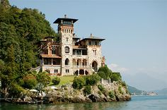 """Lake Como: Villa La Gaeta in Menaggio. In 2006 was the movie set for """"Casino Royale"""" the 007 film with Daniel Craig. Show Prices! Beautiful Places In The World, Beautiful Scenery, Lake Como Italy, Italian Lakes, Italian Villa, Lugano, Casino Royale, Park Hotel, Daniel Craig"""