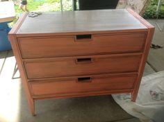 Vintage 3 drawer coral dresser