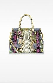 Huge Selection of Designer Satchels, from Leather Satchel Bags by Michael Kors to Genuine Italian Leather Handbags, explore the Forzieri Exclusive Selection and Shop this Season Must-Haves Cheap Michael Kors, Handbags Michael Kors, Custom Purses, Hiking Bag, Brand Collection, Tote Backpack, Small Bags, Big Bags, Vuitton Bag