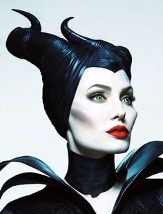 Disney colabora con la firma de joyería Crow's Nest en una colección sobre Maléfica | Vogue