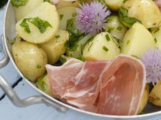 Nypoteter med spekeskinke Cantaloupe, Potato Salad, Potatoes, Fruit, Ethnic Recipes, Food, Potato, The Fruit, Meals