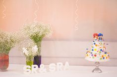 Dandelion Events tarta nupcial con decoración con paniculata  Dandelion Events wedding cake table with gypsophila