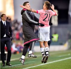 Cr7 Junior, News Around The World, Football Boys, Juventus Fc, Turin, Old Women, Ronaldo, Running, Lady