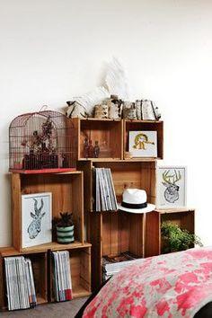 Caixote de feira - Reciclagem de caixotes de feira - Amei esta ideia de reutilização de caixotes!  www.garotacriatividade.com