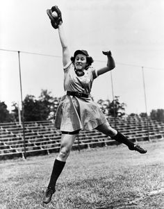 Dorothy Kamenshek, women's baseball league star.Considered one of the best athletes of her time, southpaw Kamenshek was even recruited for men's baseball by a team from Fort Lauderdale, Florida. She believed the team only wanted her for publicity and turned down the offer. Former New York Yankee Wally Pipp was so impressed with her, that he stated she was the most accomplished player he had ever seen among men or women.
