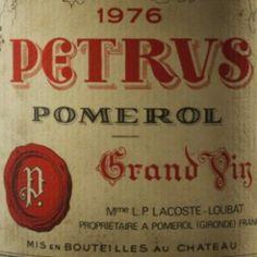 Petrus est le plus célèbre vin de Pomerol. Petrus, très confidentiel au début de son existence, a acquis au fil du temps une grande notoriété malgré de faibles volumes de production. Petrus fut, notamment, le vin culte des Kennedy…. Volumes, Canning, Bottle, Wine, Worship, Home Canning, Conservation