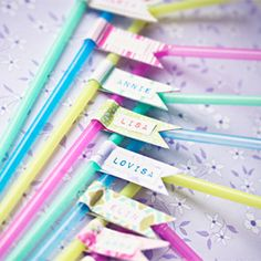 DIY Party Straws. Perfect for birthday parties. Impress the guest and keep track of the glasses at the same time. (in Swedish and English)