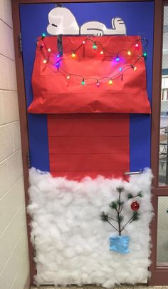 Charlie Brown Christmas- Door decorating contest.   She's ...