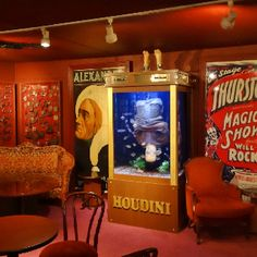 Houdini aquarium revealed on Tanked Salt Water Fish, Salt And Water, Tanked Aquariums, Fish Aquariums, Florida Villas, Cool Fish Tanks, Glass Fire Pit, Aquarium Fish Tank, Aquarium Ideas