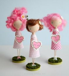 Love these dolls!  Gotta get my hands on some wool roving. by anita