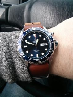 Mako on leather NATO