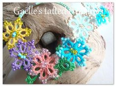 Lace tatted flower earrings 'Aprin in by gaestattedtreasures