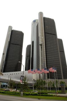 Flags fly in front of General Motors world headquarters at the Renaissance Center on June 1, 2009 in Detroit, Michigan.