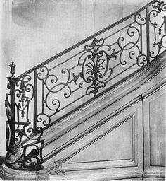 Французская ковка 18 века. Staircase Railing Design, Interior Stair Railing, Balcony Grill Design, Balcony Railing Design, Stairs Handle, Wrought Iron Stair Railing, Iron Balcony, H & M Home, Iron Decor