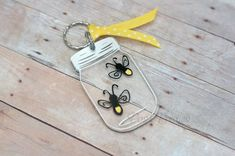Fireflies and Mason Jars Keychain - 3 inch Mason Jar and Firefly Lightning Bug by poshpretties on Et Shrink Paper, Shrink Art, Firefly Mason Jars, Acrylic Keychains, Diy Keychain, Keychain Ideas, Shrinky Dinks, Resin Crafts, Jewelry Making