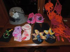 Slippers, Bee in a bonnet, Scarf and glasses holders