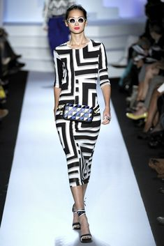 Diane von Furstenberg Spring 2011 Ready-to-Wear Collection Photos - Vogue