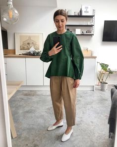 I discovered at one of my favourite stores in Copenhagen, where I purchased the striped Amelia blouse. Minimalist Winter Outfit, Modest Fashion, Fashion Outfits, Fashion Tips, Look 2018, Modest Wear, Minimal Fashion, Classy Fashion, Fall Fashion