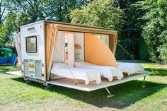 Created by Dutch designer Eduard Bohtlingk, the Markies trailer expands to nearly three times its original size, offering an amazing outdoor camping experience with adjustable awnings that allow travelers to sleep under the stars, if they so desire. Mobile Living, Mobile Home, Rv Living, Tiny Living, Outdoor Living, Campsite, Camping Gear, Outdoor Camping, Tent Camping